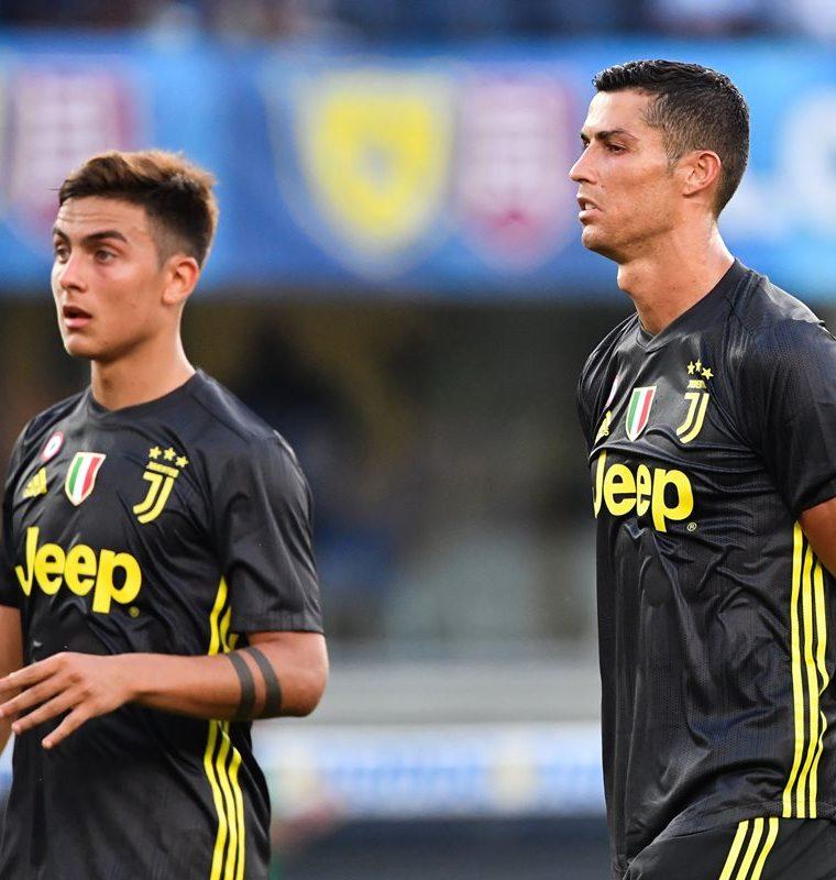 La asociación entre Paulo Dybala y Cristiano Ronaldo es de las que más promete esta temporada en el futbol europeo. (Foto Prensa Libre: AFP)
