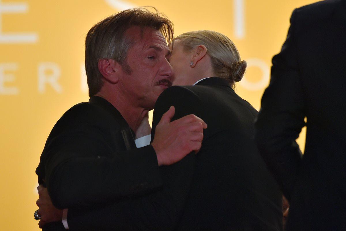 """Sean Penn y Charlize Theron, """"de lejitos"""" en Cannes"""