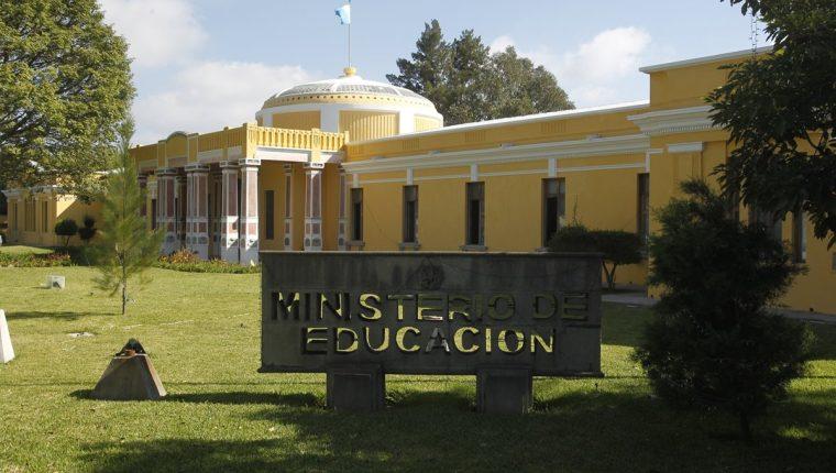 El Ministerio de Eduación tendrá ahora un quinto viceministerio que atenderá la educación extraescolar. (Foto Prensa Libre: Hemeroteca PL)