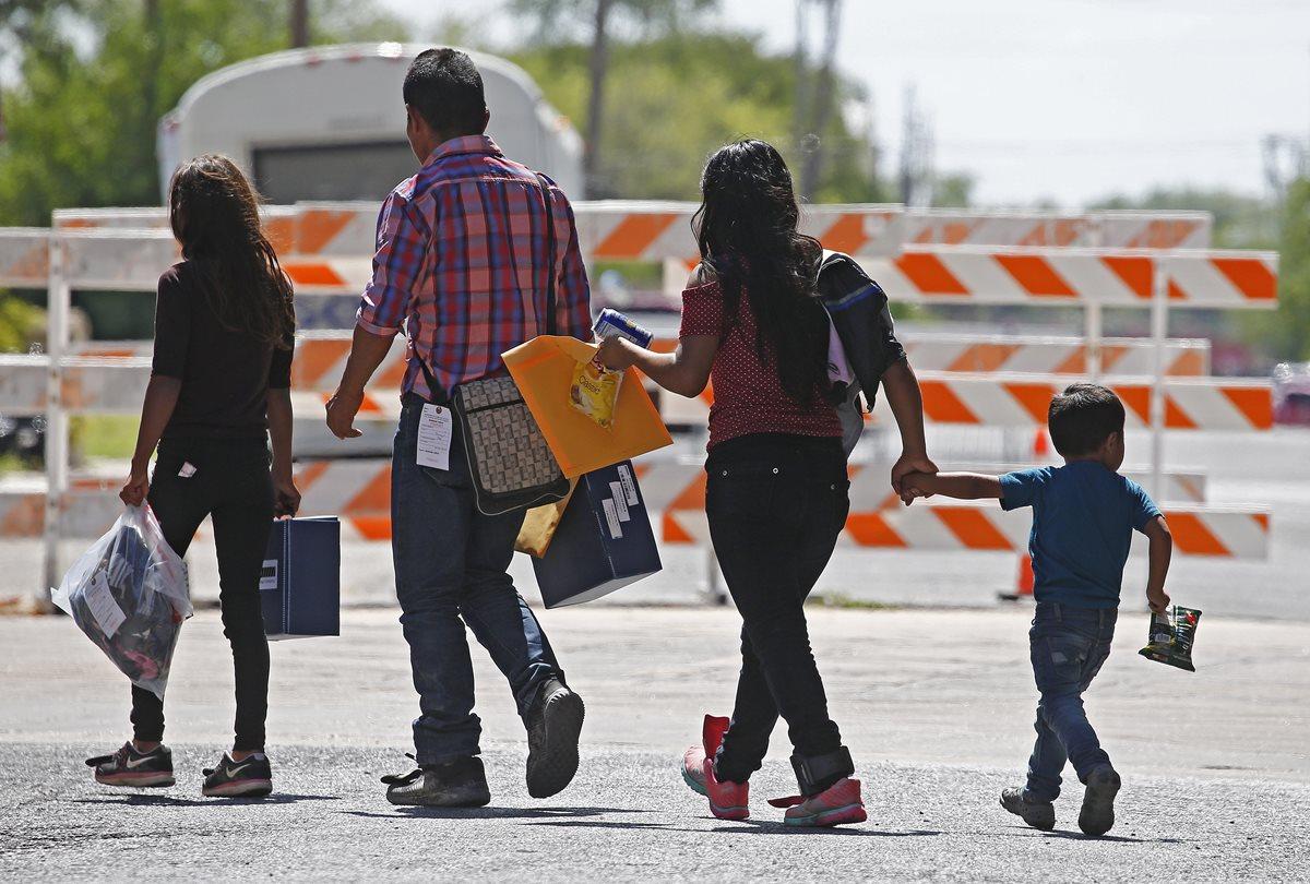 Miles de familias llegan todos los años desde Centroamérica a EE. UU. con sus hijos, con la intención de recibir asilo y trabajar. (Foto Prensa Libre: Hemeroteca PL)