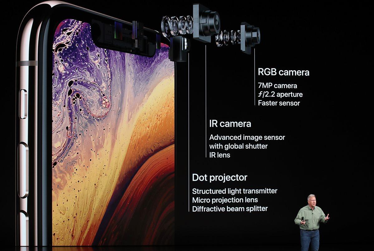Phil Schiller, vicepresidente de marketing de Apple, fue el encargado de presentar el iPhone y todas sus características técnicas. (Foto Prensa Libre: AFP).