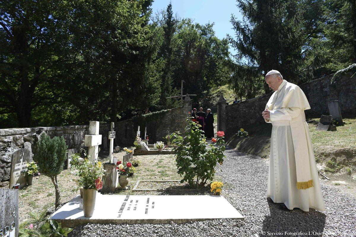 El Papa recibe duras críticas de cardenales conservadores sobre el divorcio
