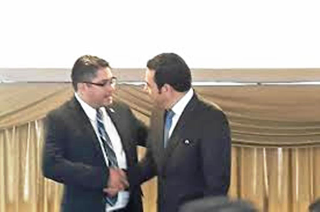 Othmar Sánchez, quien en la foto saluda al presidente Jimmy Morales. (Foto Prensa Libre: Hemeroteca PL)