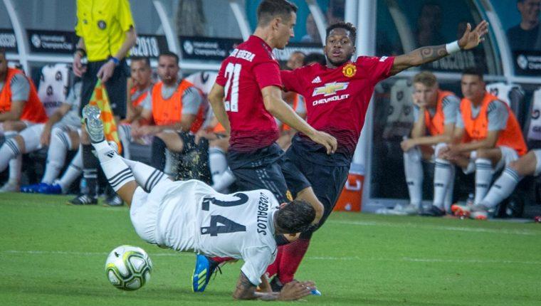 El Madrid fue mejor que el United durante todo el segundo tiempo pero solo pudo recortar distancias en el marcador. (Foto Prensa Libre: EFE)