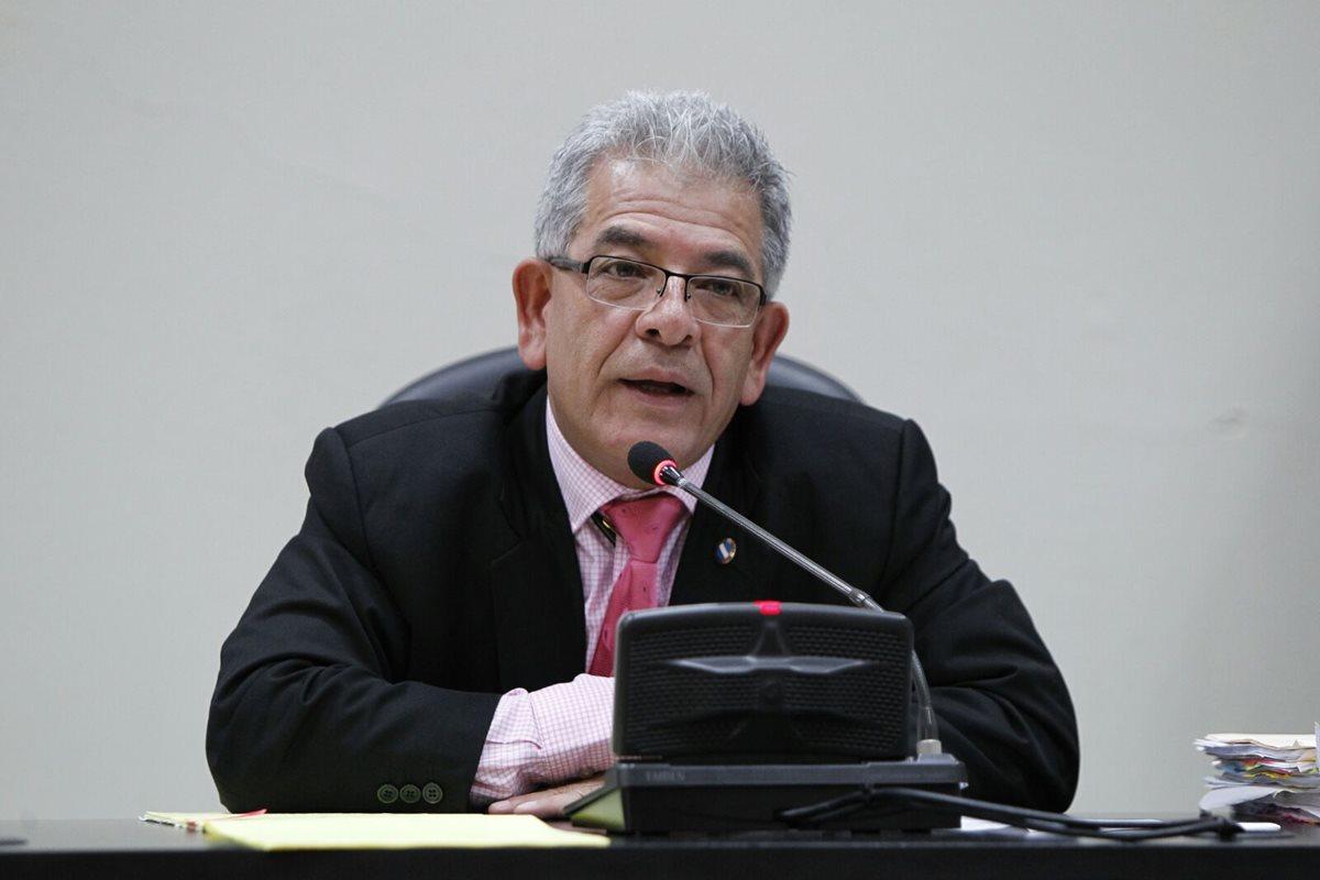 Juez Miguel Ángel Gálvez habló sobre la autorización del traslado de Pérez Molina a hospitales. (Foto Prensa Libre: Hemeroteca PL)