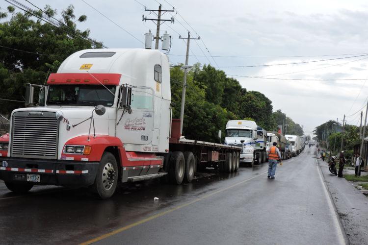 Autoconvocados cierran indefinidamente tranques en Matagalpa hasta que jóvenes secuestrados sean liberados. (Foto Prensa Libre: La Prensa de Nicaragua)