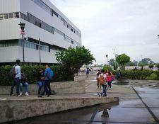 Estudiantes afirman que son asaltados frecuentemente en alrededores del CUM, zona 11. (Foto Prensa Libre: Estudardo Paredes)