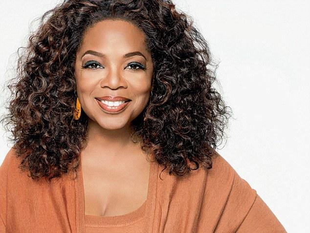 Oprah Winfrey pasó a la historia como la mujer más poderosa del 2005 por la revista Forbes. (Foto Prensa Libre: Daily Mail).