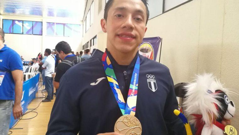 Allan Maldonado se adjudicó el oro en -75 kilogramos en los Juegos de Barranquilla. (Foto Carlos Vicente).