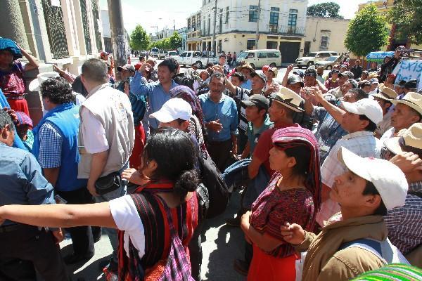 Pobladores de Nebaj, Quiché, retuvieron a personal del TSE como presión, el 1 de octubre.