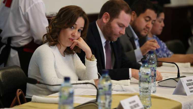 La diputada Alejandra Carrillo durante la sesión de jefes de bloque, este lunes 29. (Foto Prensa Libre: Paulo Raquec).