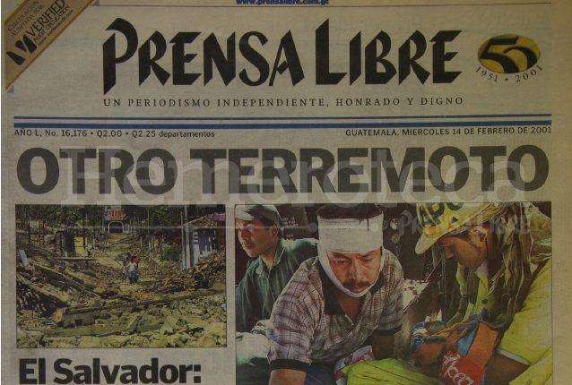 Titular de Prensa Libre del 14 de febrero de 2001 informando sobre el segundo terremoto de El Salvador. (Foto: Hemeroteca PL)