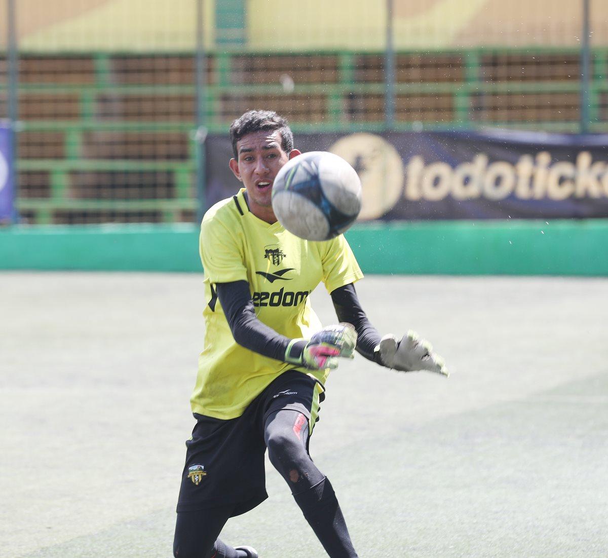 Javier Romero asegura que está en Petapa por capacidad y no por compadrazgos de su tío Gonzalo Romero