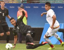 Carlos Salcedo tuvo participación con la selección mexicana en Río 2016. (Foto Prensa Libre: AFP)
