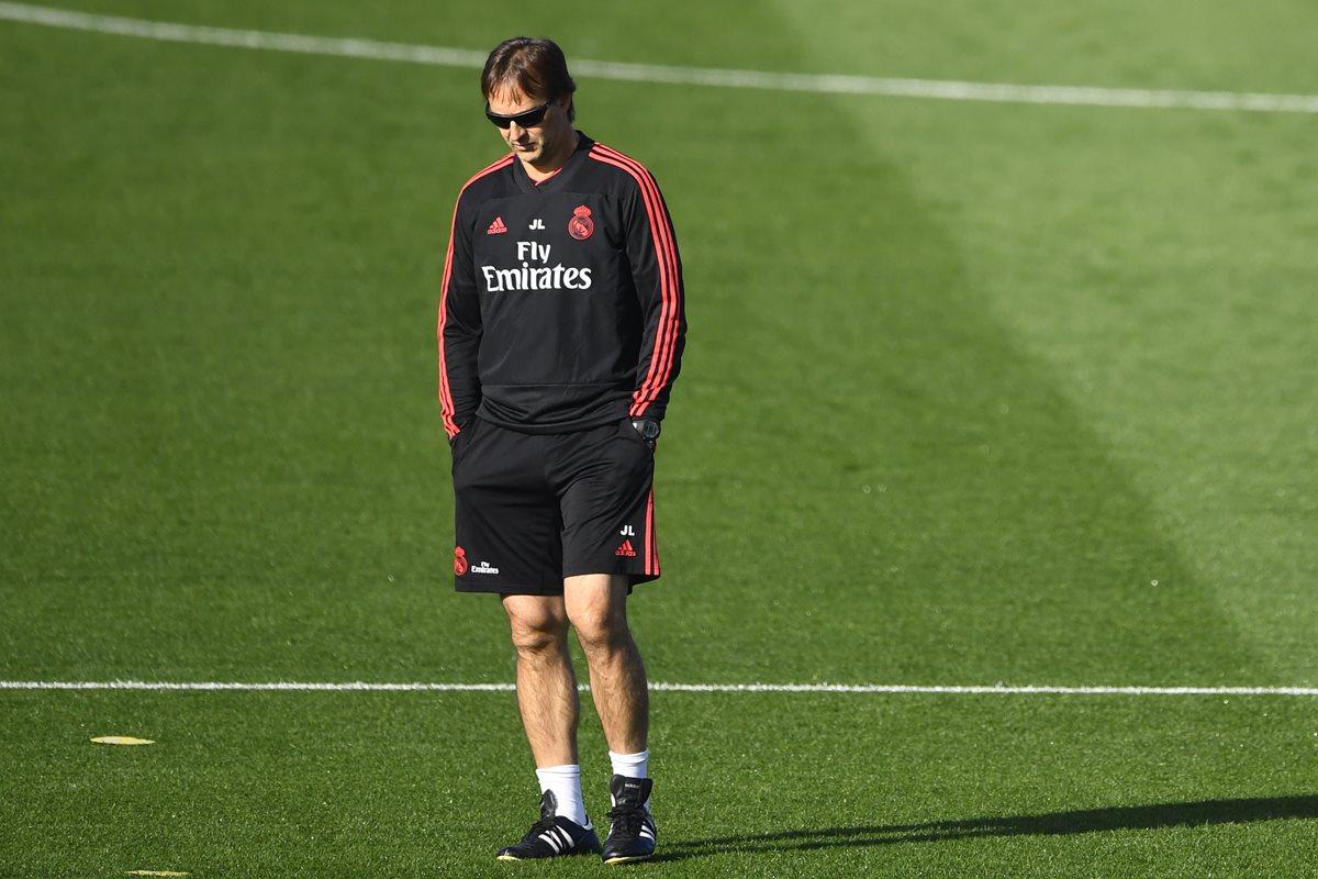 Julen Lopetegui se encuentra en la cuerda floja y muchos dan su salida del Real Madrid como un hecho, algo que se daría en las próximas horas. (Foto Prensa Libre: AFP)