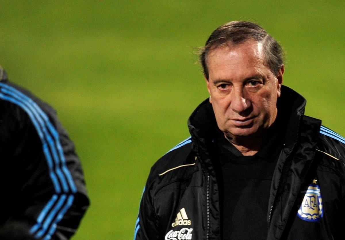 Bilardo, campeón Mundial, aspira ser técnico de Argentina