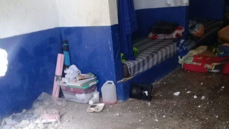 Los menores destruyeron parte de las instalaciones del correccional Etapa 2, durante los disturbios de este lunes. (Foto Prensa Libre: SBS)