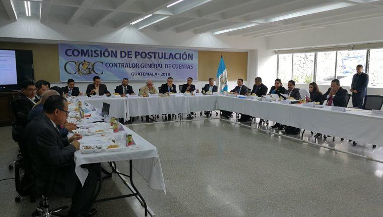 Durante la segunda sesión de trabajo la Comisión de Postulación para Contralor General de Cuentas aprobó el perfil de quien ocupe la dirección de la Contraloría. (Foto Prensa Libre: Manuel Hernández)