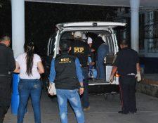 Menor es trasladada a Hospital Regional de la cabecera de Zacapa, y falleció luego de haber sido ingresada. (Foto Prensa Libre: Víctor Gómez)
