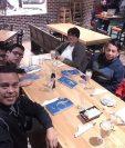 Miembros de la familia García Ramírez visitaron por primera vez el restaurante San Martín en Dallas, Texas, Estados Unidos. (Foto Prensa Libre: Cortesía)