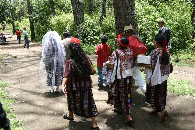 Niñas denunciaron que en algunas comunidades pactan sus matrimonios desde los 4 años. (Foto Prensa Libre: Hemeroteca PL)