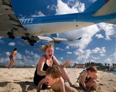 ¿Puede ser mortal ver el despegue de un avión en la playa de la isla caribeña San Martín?