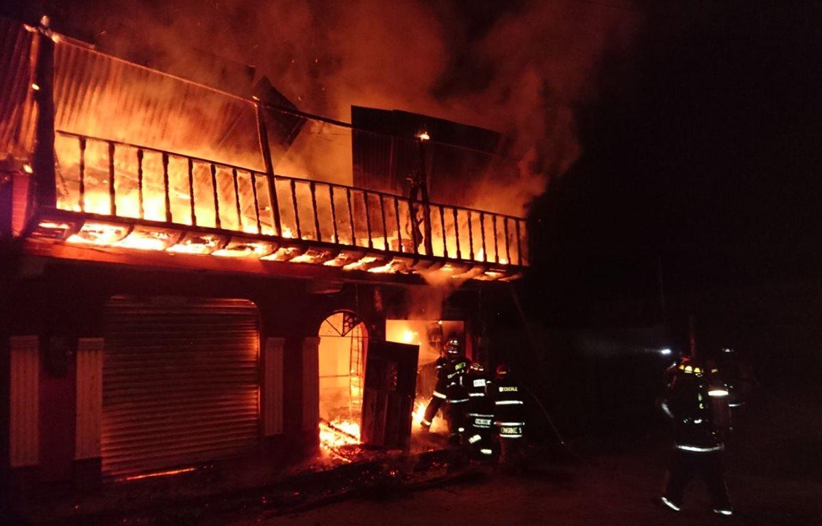 Ritual a Maximón culmina con el incendio de una vivienda