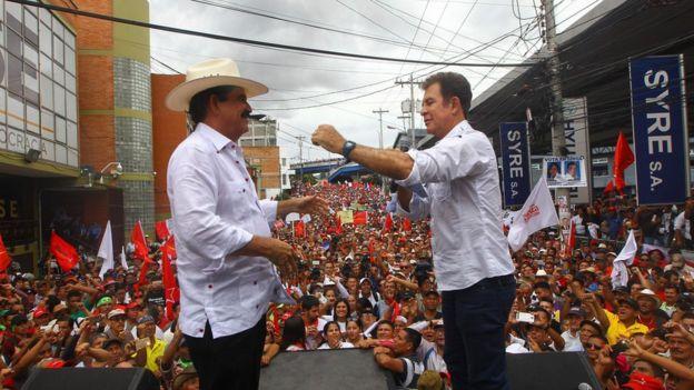 La Alianza de Oposición, que tiene como candidato a Salvador Nasralla y pero es coordinada por el expresidente Manuel Zelaya, promete derogar la ley de las ZEDE.AFP