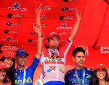Dorian Monterroso celebró con todo el triunfo. (Foto Prensa Libre: Carlos Vicente)