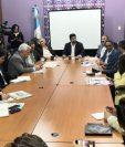 Empresarios se reunieron con los integrantes de la Comisión de Derechos Humanos del Congreso. (Foto Prensa Libre: Carlos Álvarez)