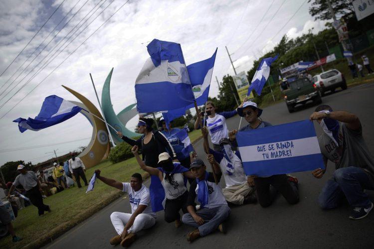 Caravana de vehículos en Managua, recorrió varias calles y avenidas de la capital nicaragüense, exigen el desarme de los grupos afines a Daniel Ortega.