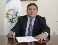 El contador público y auditor Adalberto Tomás Ortiz Mendoza, quien está prófugo, vendió facturas falsas y defraudó al fisco por Q1 mil millones en 10 años. (Foto Prensa Libre: Hemeroteca PL)
