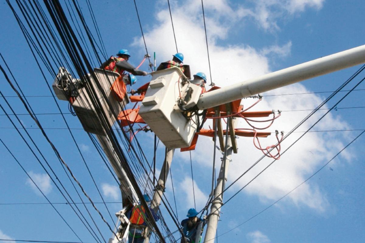 Usuarios dan baja nota a distribuidoras de electricidad