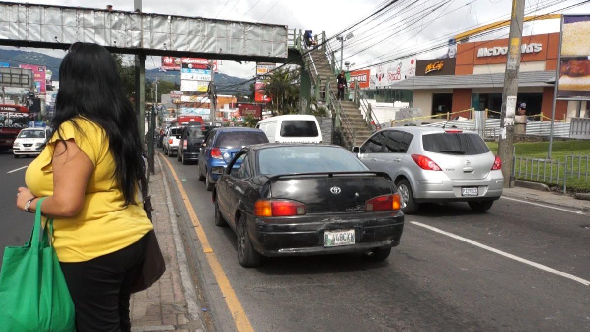 ¿Cuánto estrés puede acumular una persona en el tráfico? (Foto Prensa Libre: Gabriela López)