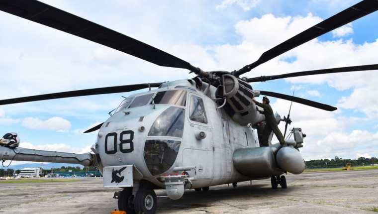 El helicóptero CH-53E Super Stallion tiene la capacidad para transportar más de 30 toneladas de carga. (Foto Prensa Libre: Embajada de Estados Unidos en Guatemala).