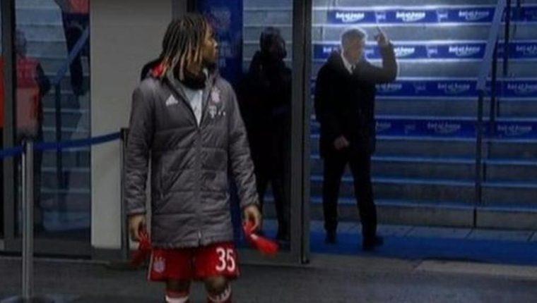 El video de Carlo Ancelotti se viralizó rápidamente en la redes sociales. (Foto Prensa Libre: Twitter)