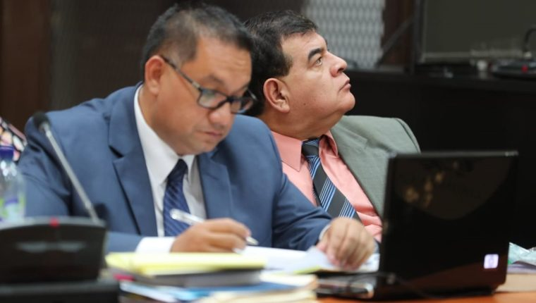 El exfiscal Ronny López, junto a otras tres personas, fueron ligadas a proceso por obstrucción de la justicia.