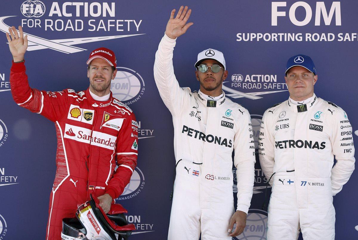 Hamilton logra la pole en Montmeló, por delante de Vettel