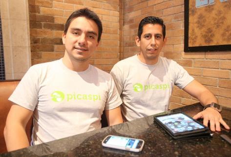 La aplicación fue desarrollada por los guatemaltecos Kevin González y Diego Larios Castañeda (Foto Prensa Libre: Billy Quijada).