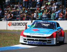 Adolfo Castillo, al volante de su Datsun 240Z, conquistó el primer puesto de la categoría Vintage GTR. (Foto Prensa Libre: Cortesía SpeedAddiction)