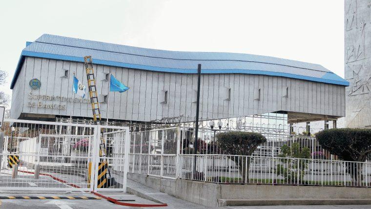 La Intendencia de Verificación Especial (IVE) adscrita a la SIB es la unidad de inteligencia financiera en Guatemala, para detectar los casos de lavado de dinero u otros activos. (Foto Prensa Libre: Hemeroteca)