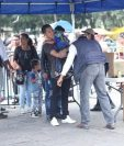 La revisión de los guardias de la SAAS el 14 de septiembre recién pasado en la Plaza de la Constitución. (Foto Prensa Libre: Hemeroteca)