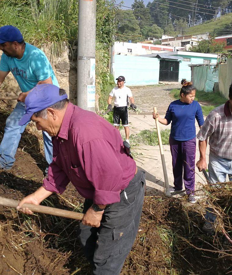 Vecinos recibirán apoyo empresarios de Xela.(Prensa Libre: Fred Rivera.)