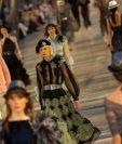 Chanel mostró su estilismo en una pasarela en La Habana, Cuba, pero con tendencia revolucionaria. (Fotos Prensa Libre, AFP y EFE)