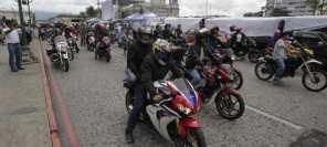 Propietarios de motocicletas deben cambiar sus placas de papel a metálicas. (Foto: Hemeroteca PL)