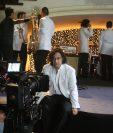 Alejandro Puga, vocalista de El Tambor de la Tribu, graba escenas de su nuevo video. (Foto Prensa Libre: Ana Lucía Ola)