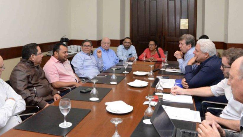 SIP y Reporteros Sin Fronteras escuchan a periodistas detallar la represión del gobierno de Daniel Ortega. (Foto Prensa Libre: SIP)