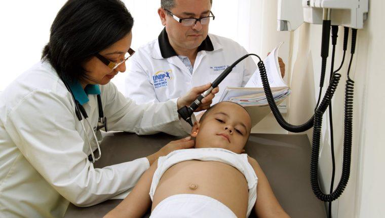 La UNOP tiene un programa de atención especial para niños y adolescentes con cáncer, para darles seguimiento médico y psicológico por cinco años. (Foto Prensa Libre, Ayuvi)