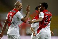 Los jugadores del Mónaco festejaron al importante triunfo. (Foto Prensa Libre: AFP).