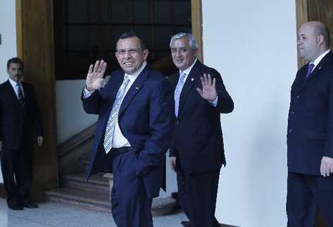 PORFIRIO LOBO, presidente de Honduras, y Otto Pérez Molina, en la Casa Presidencial.